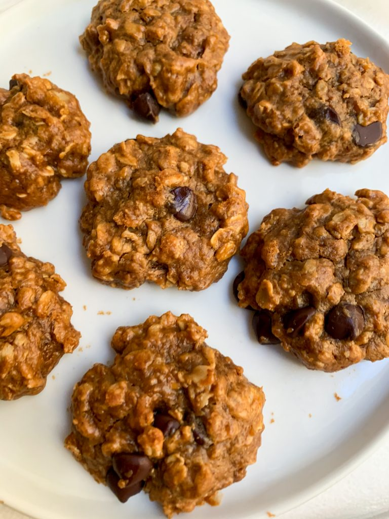 a white plate of Peanut Butter Chocolate Chip Oatmeal Cookies