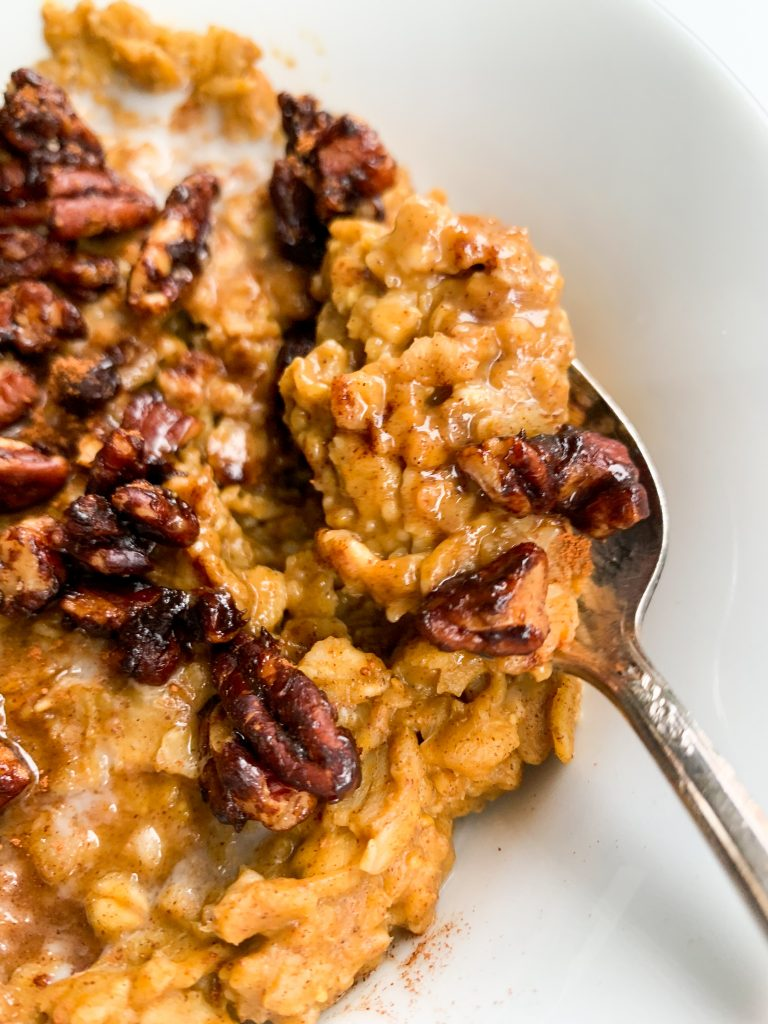 quick and easy fall oatmeal bowl