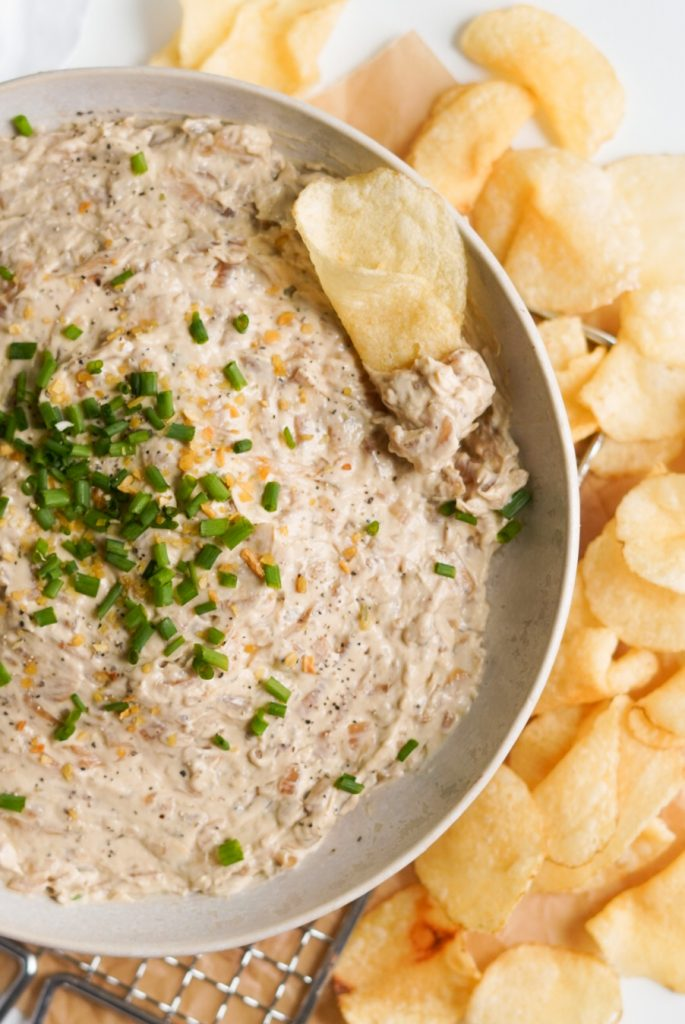 healthy caramelized onion dip