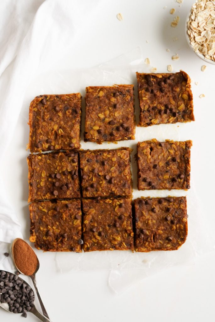 chocolate chip pumpkin oatmeal bars